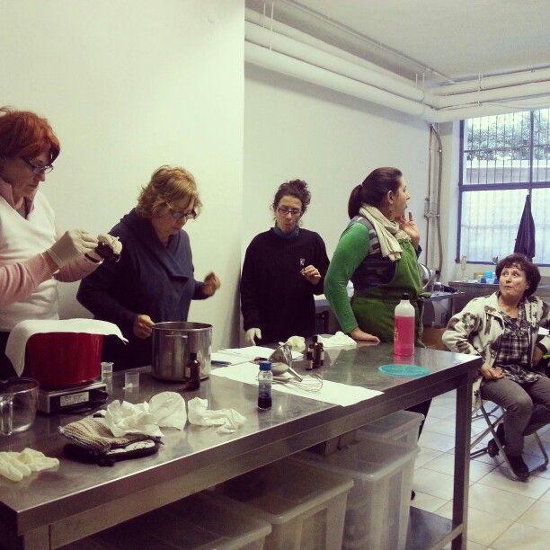 Corso di primo livello nel laboratorio Fattiamano di Milano