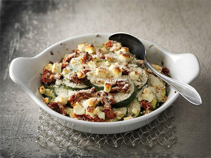 Tämä helppotekoinen lämmin kasvisruoka sopii loistavasti esim. grillatun lihan tai kalan kaveriksi.