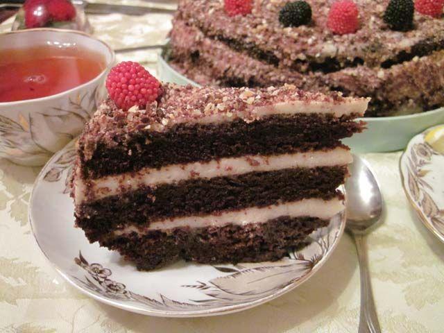 Шоколадный торт на кипятке с банановым кремом