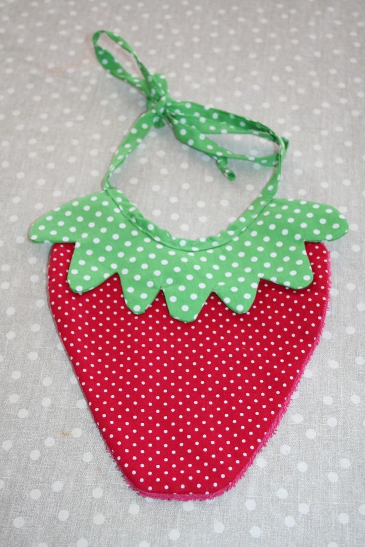 Bavoir fraise