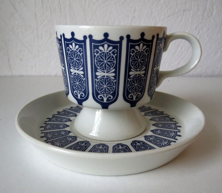 ARABIA OF FINLAND Vintage, Rukinlapa Coffee Cup & Saucer