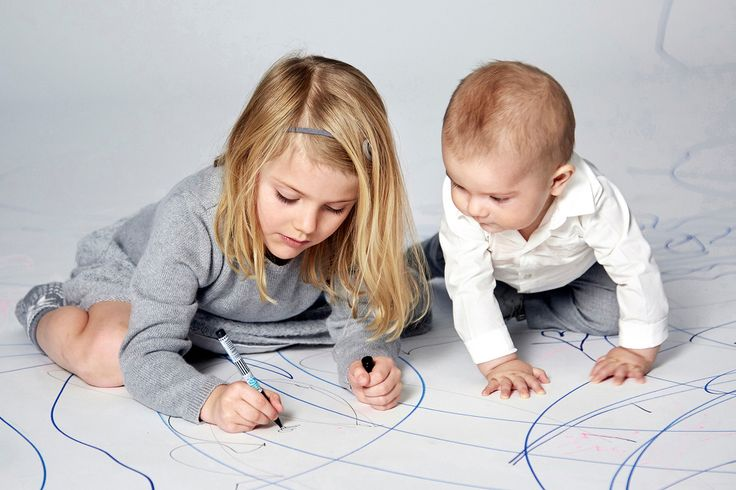 Royal Coloring Session! Princess Estelle Shows Baby Brother Prince Oscar How to Draw in Adorable NewPhoto