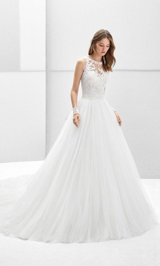 c91863dc9 Vestido de novia estilo princesa de tul y encaje con escote halter y adorno  de pedrería