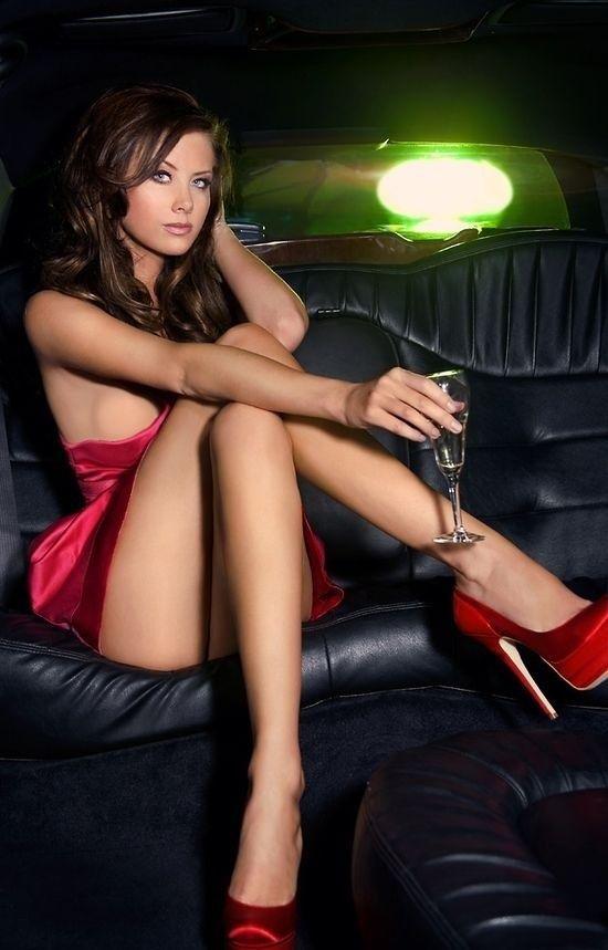 Hot woman legs nude, nonnude wife webcam