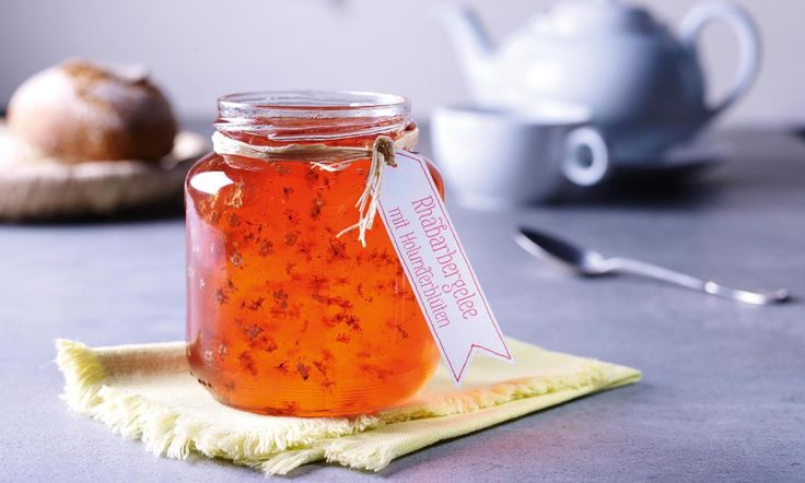 Rhabarbergelee mit Holunderblüten Rezept   Dr. Oetker  20g weniger Zucker nehmen. Etwas Chili getrocknet beifügen. Unter die fertige Sauce Jalapenos fein geschnitten beifügen wir auch etwas Saft aus dem Glas. Ralf liebt die Sauce
