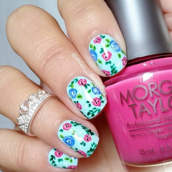 Pastel Nails using Morgan Taylor's Making Waves and Tropical Punch available at Louella Belle #MorganTaylor #Pastel #PastelNails #NailArt #Nails #Manicure #LouellaBelle
