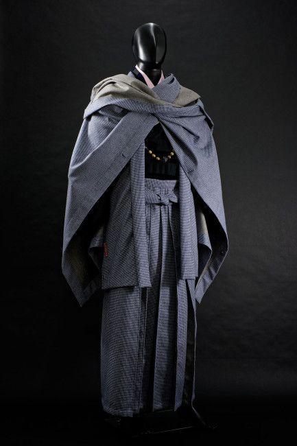 日本の男の服はやっぱ袴だ!とにかくカッコいい男着物を発信する「和次元 滴や」 – Japaaan 日本の文化と今をつなぐ