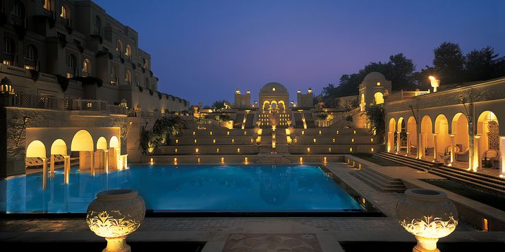 Base your stay at The Oberoi Amarvilas, Agra and discover Agra..
