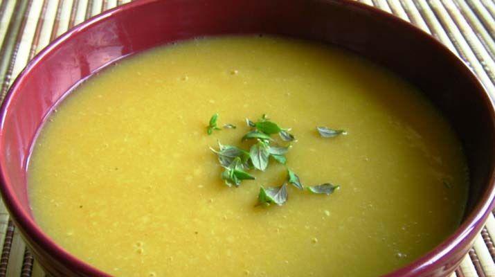 Использовав простой горох, можно приготовить жидкий супчик на овощномбульоне, или суп пюре. Вегетарианский рецепты таких блюд должны присутствовать в кулинарной книге каждой хозяйки. Вкусно, сытно, питательно. Пальчики оближешь! Ингредиенты: Горох сухой — 400 грамм; Картофель — 4-5 штук; Репчатый лук — 1 штука; Вода — 1 литр; Специи по вкусу (карри, черный молотый перец и …