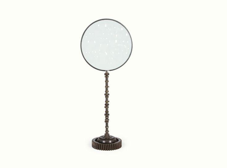 Magiscopio, de la marca Doble O Joyerías - Objeto #decorativo ensamblado con diversas piezas automotrices, base de engranes y cristal de 60 cm. de diámetro.