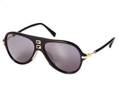 Des lunettes aviateur
