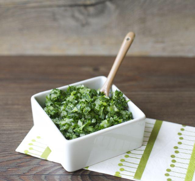 Salsa verde, receta chilena / Chilean green sauce