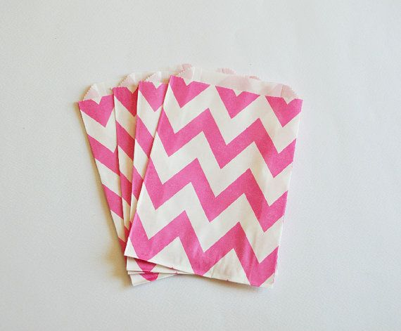 10 Sacchetti di carta chevron rosa shocking / Hot Pink Paper Bags (10 paper bags per pack)
