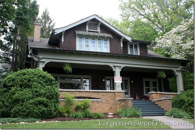 Craftsman bungalow: i love the huge front porch.. such a pretty house style! Or future home inspiration reference :)