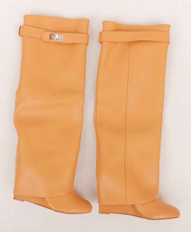 Сапоги Givenchy (Живанши) кожаные бежевые