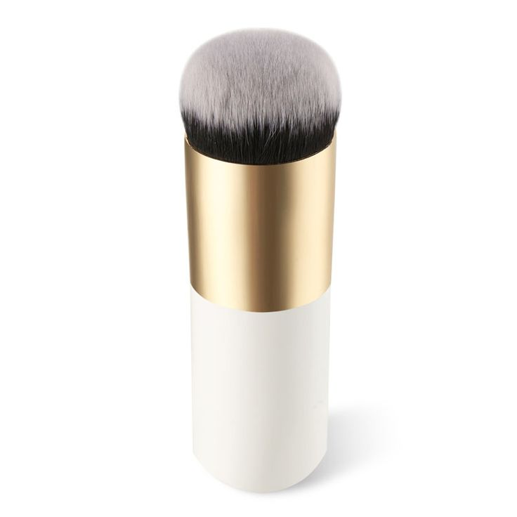 Professional Foundation Brush with a compact size and minimalist style, made it that you can take it with you everywhere.  The material is high quality and it feels good on your skin.  Specifications: Total length: 10.5cm Handle length: 8.6cm Bristles length: 1.5cm