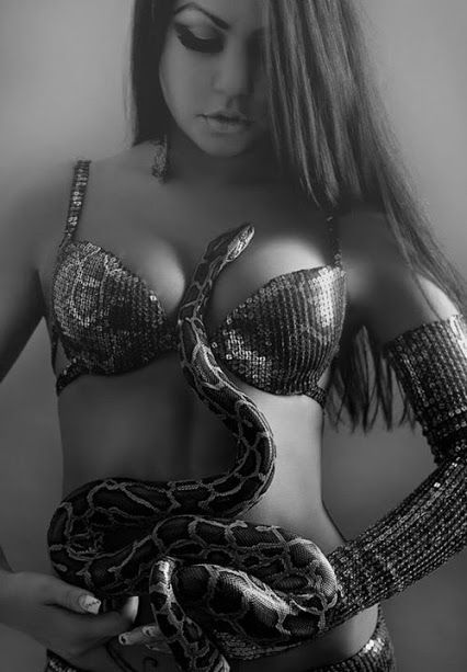 snakes hot sex with women pics