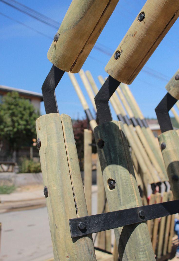"""Estabilidad, Materia y Paisaje: """"Paseo/Mirador Eucaliptus"""" en Curepto, Chile,© Gabriel Flores Daza"""