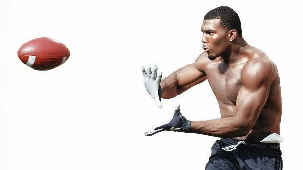 Dez Bryant #NFL  A lot of Dez in the news these days.  www.ladysfootball.com