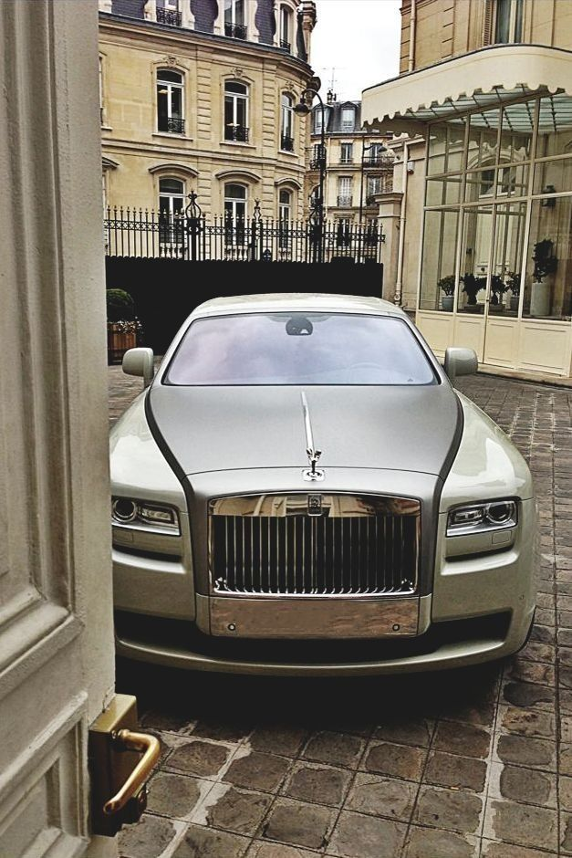 ♂ Luxury #car #vehicle #wheels Silver Rolls Royce