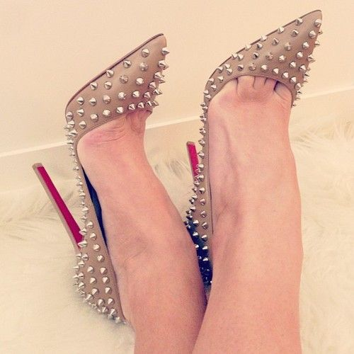 The infamous toe cleavage in Christian Louboutin shoes woman ...