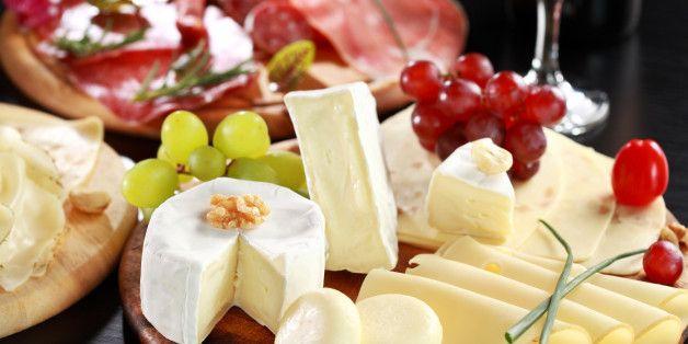Dix trucs pour créer un magnifique plateau de charcuteries et fromages (PHOTOS)