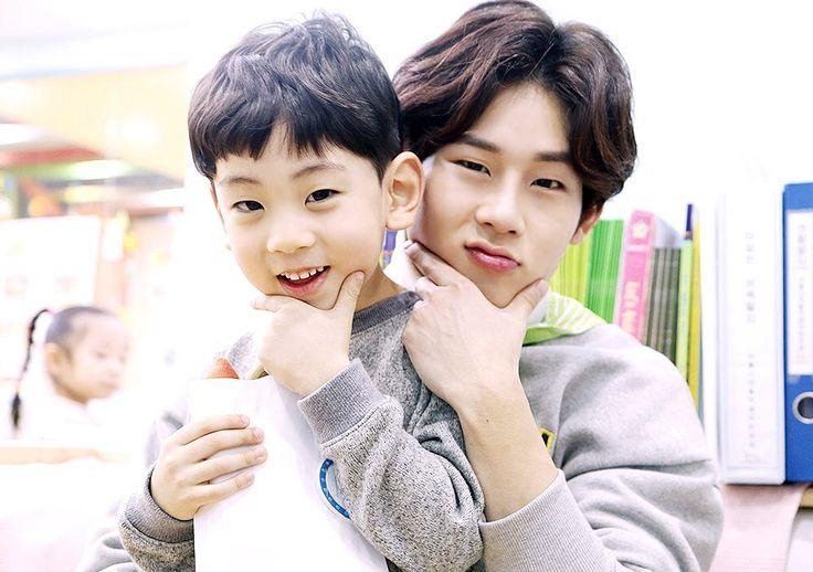Atualização Starcast sobre Monsta X Ray EP.5 - Jooheon cuidando de criancinhas