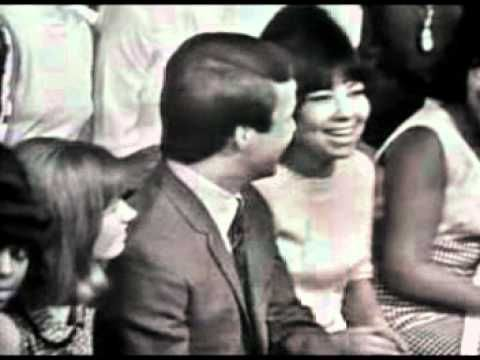Bobby Vee had a big hit with  'Run to Him' in 1961. Here is his singing it on American Bandstand  a number of years later in 1965.