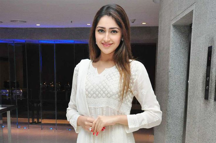 #Sayesha Saigal Glamorous Pics #Teluguactress #Heroinepics #Actressgallery 