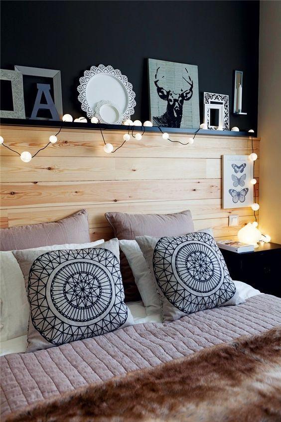 Pintar la pared de tu dormitorio de negro le da un toque especial y elegante. ¿Te atreves?