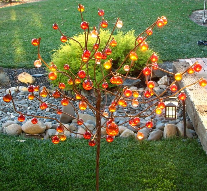 ball tree bottle tree metal garden art 35000 via etsy