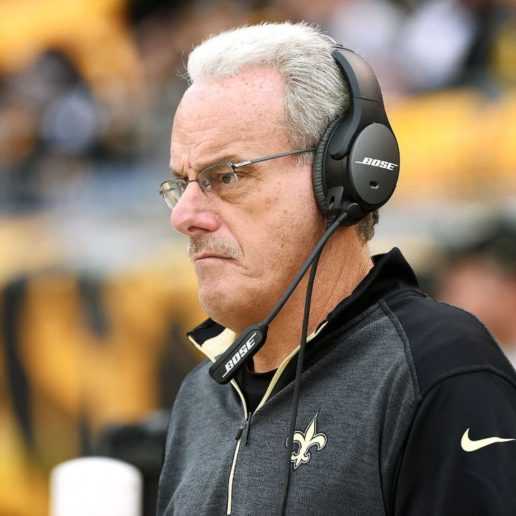 Saints LB coach Joe Vitt tears Achilles, breaks wrist after chasing car thieves