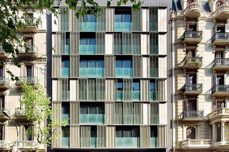 Tamiluz   Projets de protection solaire pour façades, bâtiments et architecture en général.