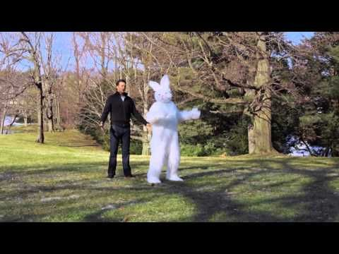Tom Brady gets UNREAL with the Easter Bunny - Sorry Bunny Touchdown Dance