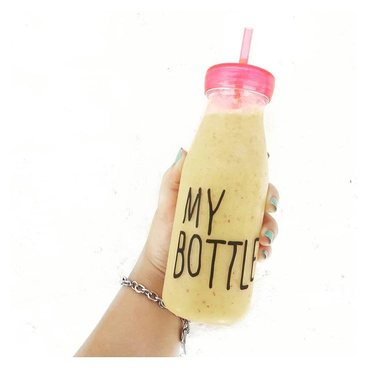 Para el calor Frappé! Nada más rico que sentir los pedacitos de frutas congeladas  En este caso puse en el refrigerador melocotones troceados y luego mezclé en la licuadora con un poquito de agua y endulzante.  Yummy yummy yumyyy   #Receta #Bebidas #Frappe #Verano2017 #Verano #Summer #Baires #jugos #Blogger