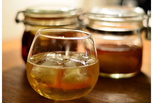 brandy spritzer!      ブランデー+カットフルーツ+炭酸で簡単に作れるフルーティなお酒「ブランデースピリッアー」のご紹介です。今までは、ブランデーという...
