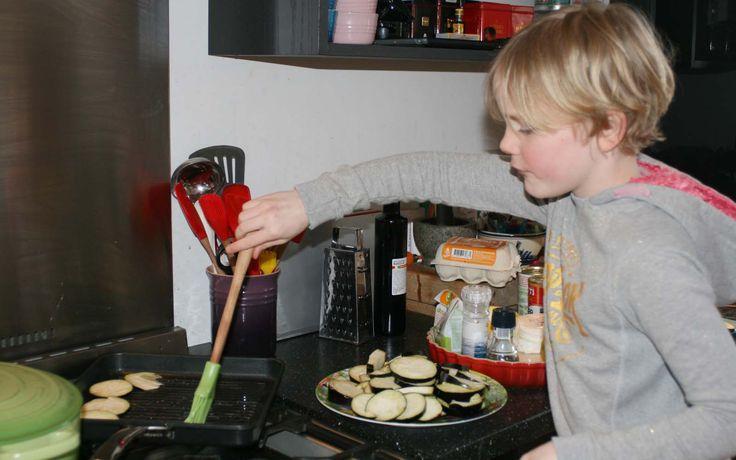 Aubergine ovenschotel gemaakt door Jobke - Kids in the Kitchen