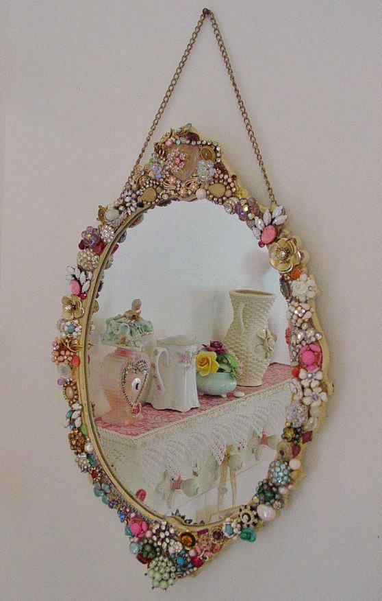 24 best images about marcos para fotos on pinterest for Embellished mirror frame