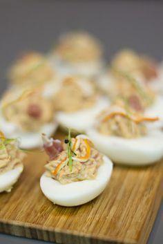 Huevos rellenos, 5 recetas diferentes que te van a encantar | Cocinar en casa es http://facilisimo.com