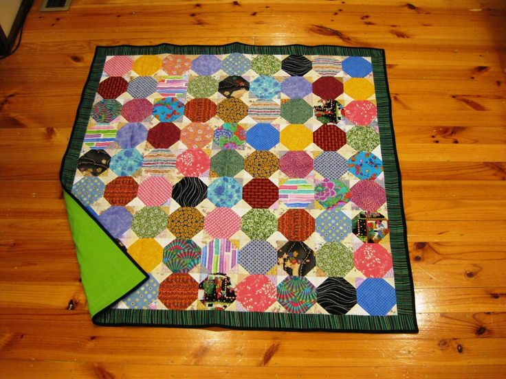 'Ugly' snowballs quilt made for charity. Flannelette backing.