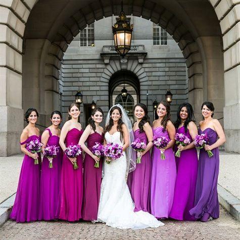 INSPIRAÇÃO: Vestidos de madrinha em tons degradê | Casar é um barato - Blog de casamento