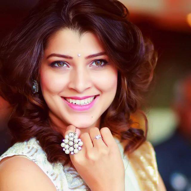 सुंदर अभिनेत्री 'तेजस्विनी पंडित'..❤️ http://bit.ly/Tejaswini-Pandit