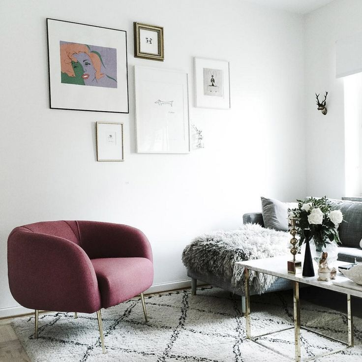 Allie mit ihren Messing Beinen @michaelasrum #sofacompany_de #danishdesign #furniture #scandinaviandesign #interiordesign #furnituredesign #nordicinspiration #retrostyle #pink #Sofa