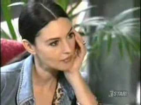 """Julio Iglesias - """"Esta Cobardia""""  (Monica Bellucci)"""