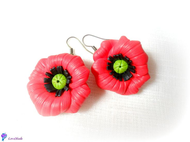Red poppies (20 LEI la LoveMade.breslo.ro)