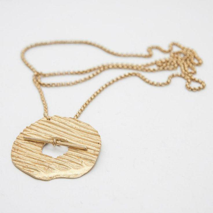 Lia Gonçalves | Joalharia de Autor _ necklace_ crateras collection _ golden silver