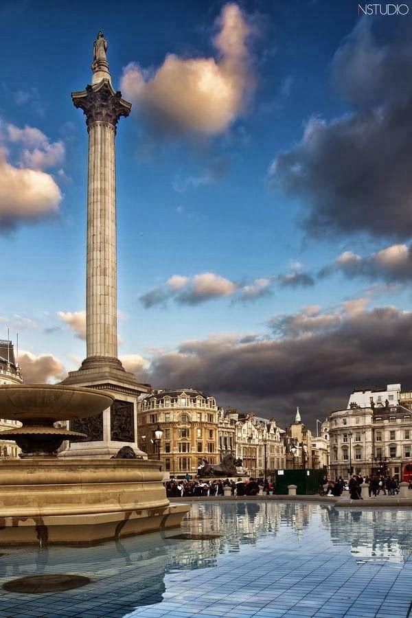 Trafalgar Square, London, England Played pickup footy here at 2am! Love.