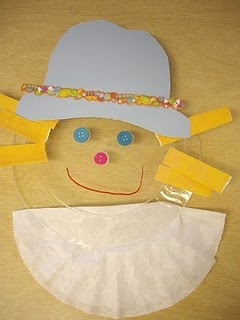 scarecrow using a clear plastic plate for a face. : Faces, Fall Preschool, Fall Ideas, Fall Scarecrows, Clear Plastic, Fall Activities, Scarecrows Crafts, Fall Kids, Plastic Plates