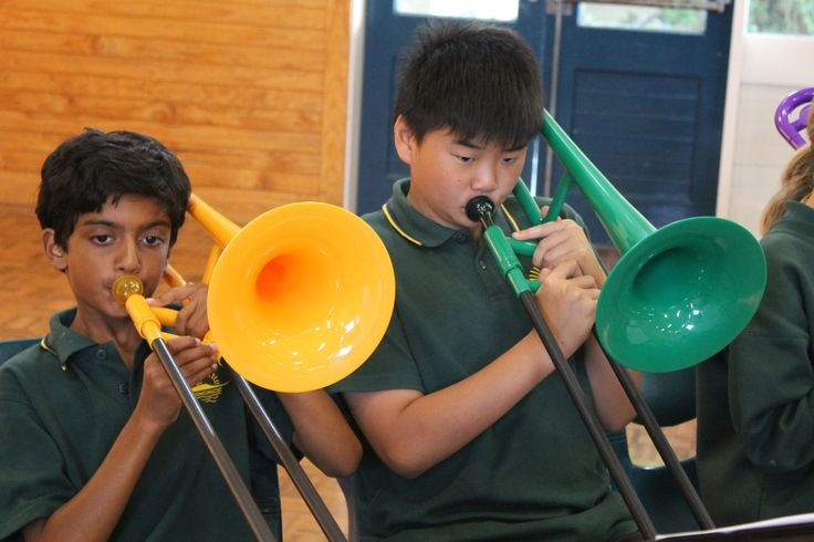 Murrays Bay Intermediate School is one of Auckland, New Zealands largest school for students aged 11-13 years old. With highly qualified teachers and a style of learning that leads students to a high level thinking, Murrays Bay Intermediate School is enjo