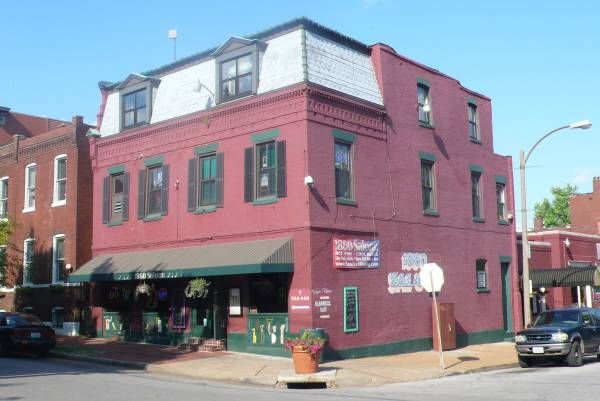Soulard Bars and Clubs | le 1860 s hard shell cafe and bar est un bar qui programme du blues 7